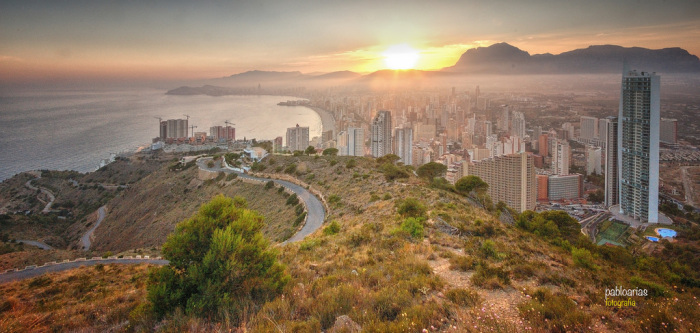 BENIDORM ACHIEVES THE CERTIFICATE AS THE COUNTRY'S FIRST SMART TOURIST DESTINATION